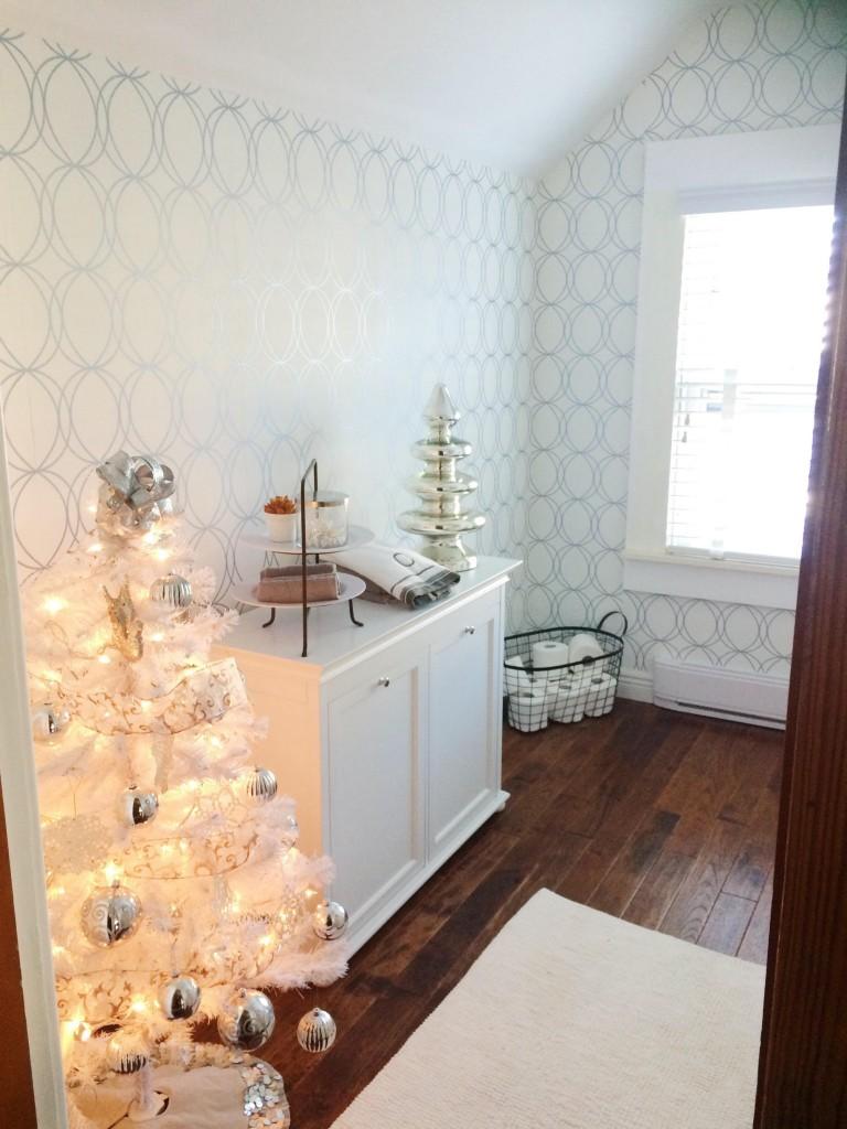 Styling Harvard 2015 Christmas tour bathroom tree